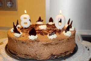 Wachauertorte1; zu Oma's 80. Geburtstag