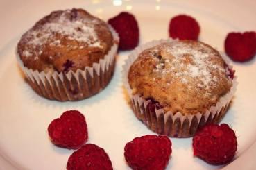 glutenfreie Himbeer-Bananen-Walnuss Muffins.jpg