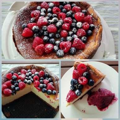 Cheesecake mit frischen Beeren.jpg